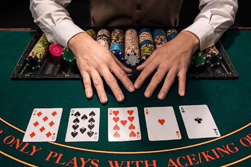 Tidak Jenuh Saat Memainkan Permainan Judi Poker Online